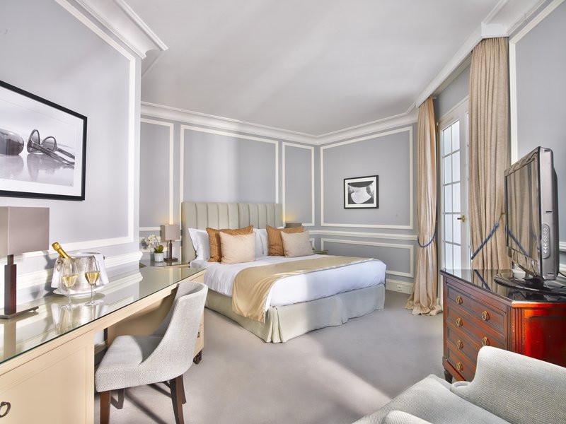 精致奢华的酒店客房空间布局