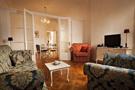 精致奢华的酒店客房局部空间