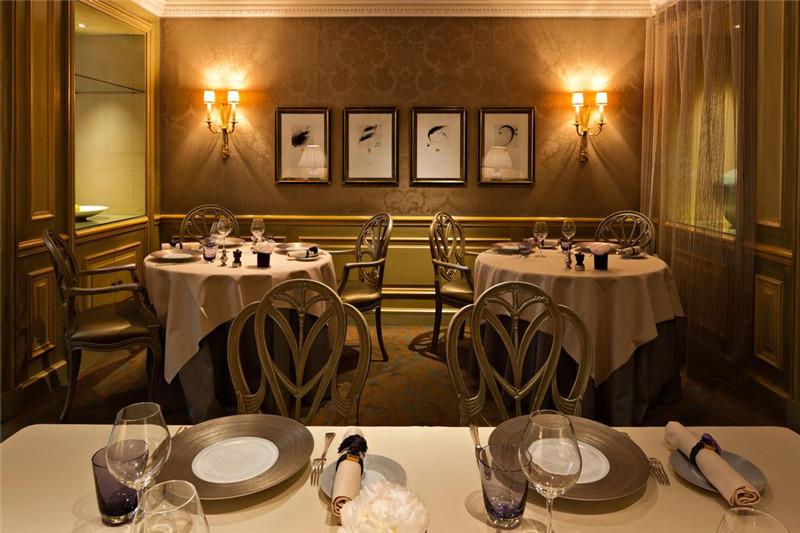 贵族气息十足的酒店餐饮空间