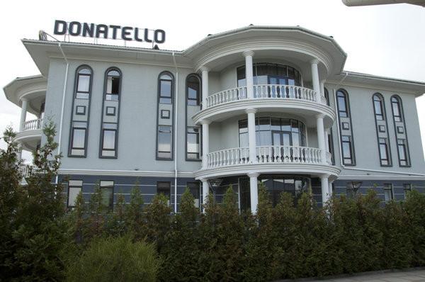 简单的酒店建筑外观