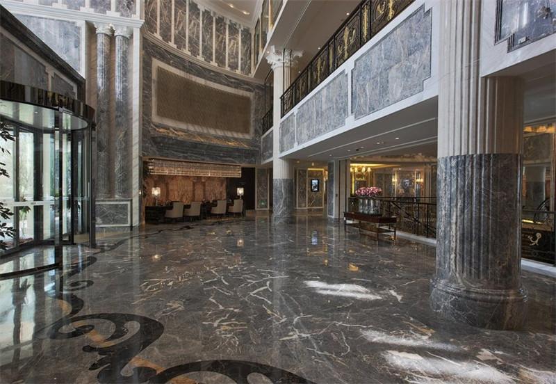 低调奢华的酒店大堂空间