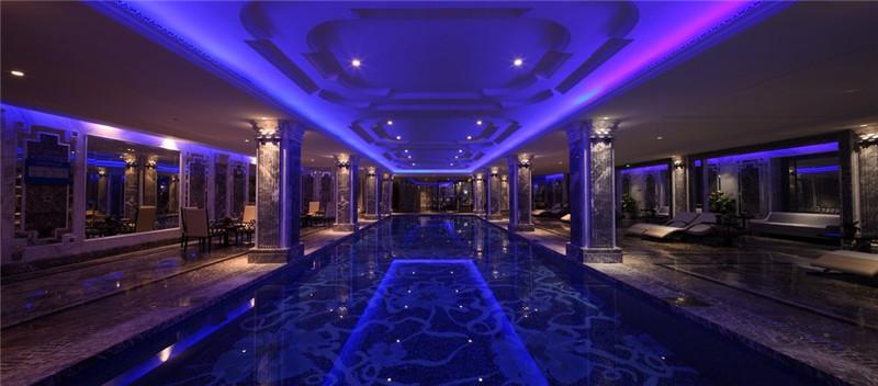 绚丽的酒店灯光设计实景图