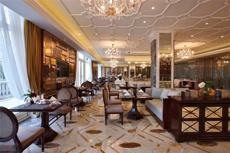 精致的酒店餐厅