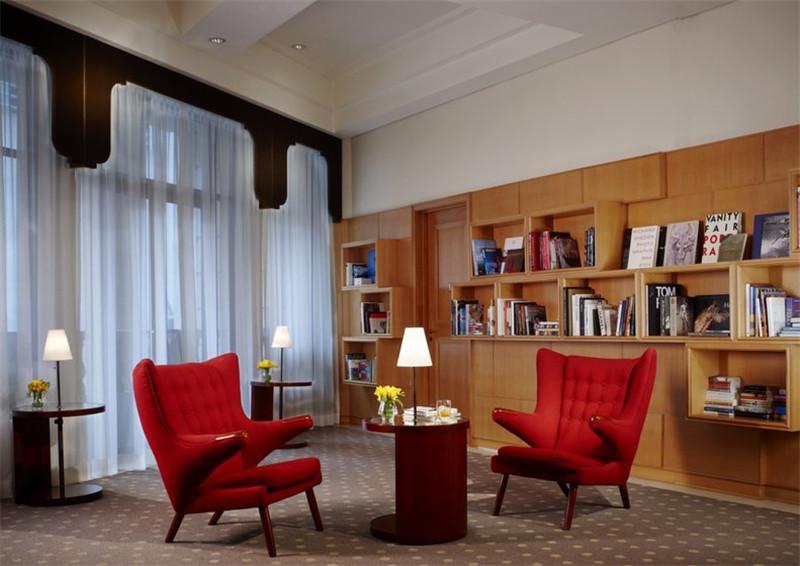 酒店室内局部空间:书柜