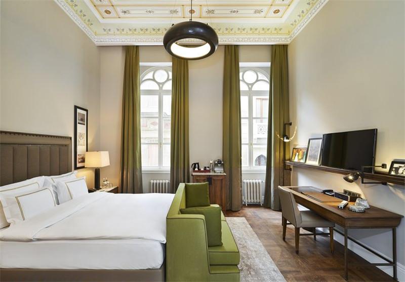 简约精致的酒店客房空间