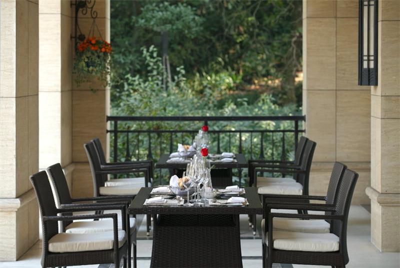 国内不错的精品度假酒店设计设计案例:局部餐饮空间