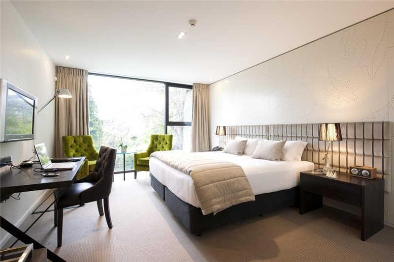 宽敞舒适的客房
