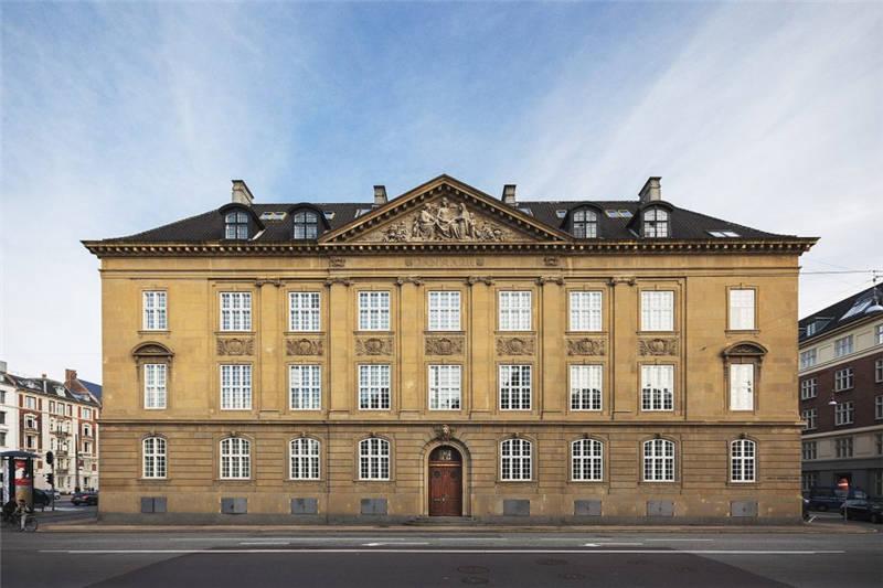 酒店建筑外观:古典主义