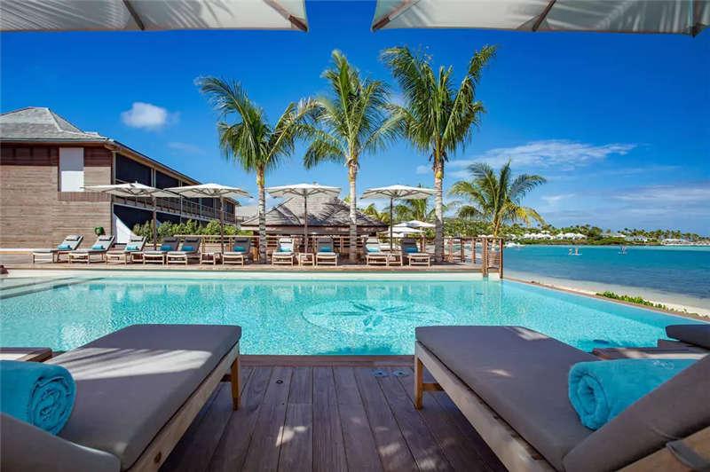 酒店室外用泳池设计实景图
