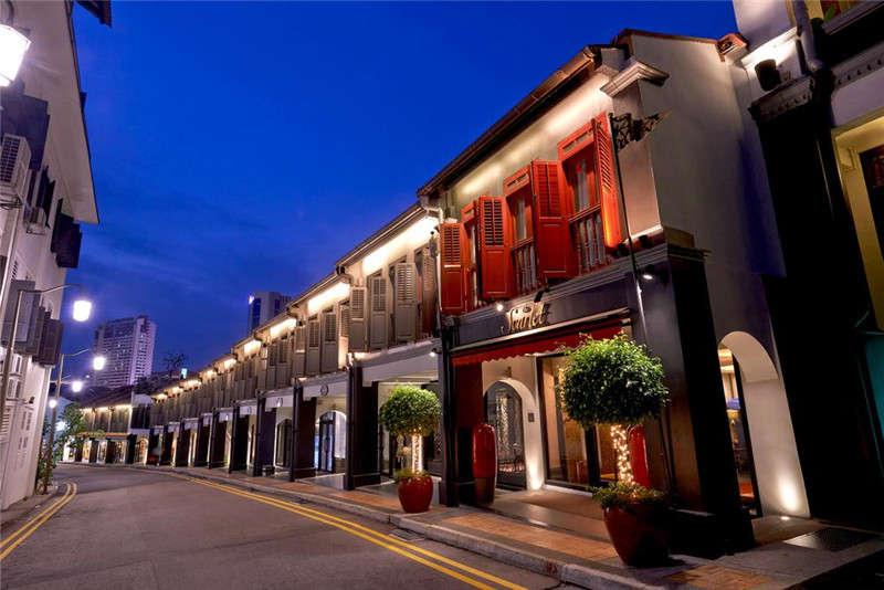 酒店建筑外观设计与室外街道风景