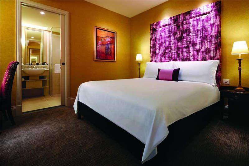 不错的精品酒店客房空间设计实景图