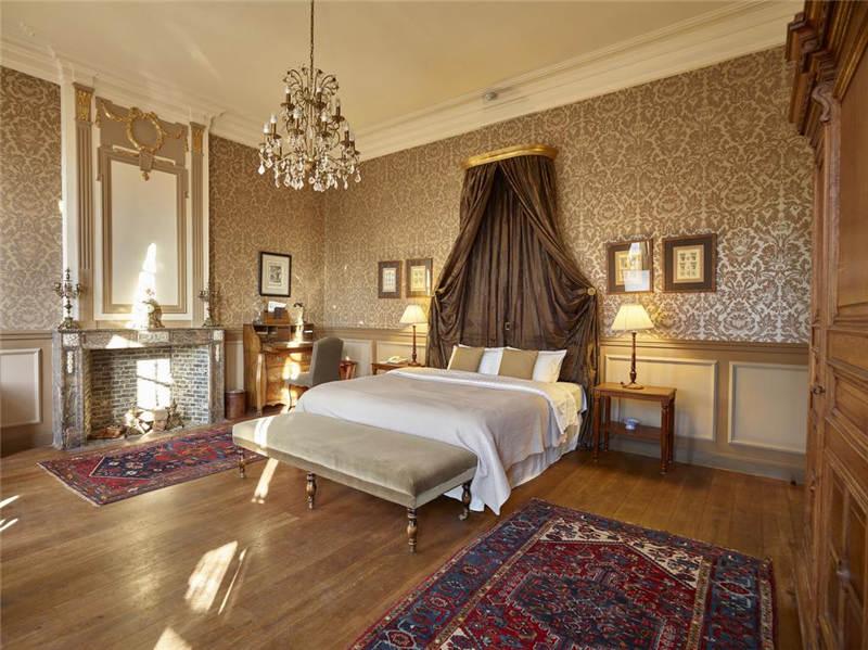 豪华装修的精品酒店客房空间