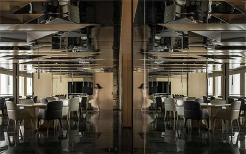 重庆最新精品商务酒店设计推荐:半云半月酒店餐厅设计