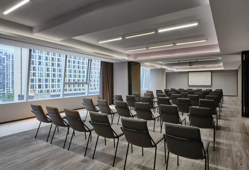 万达+京东联手打造宁波万达美华跨界IP酒店会议室设计