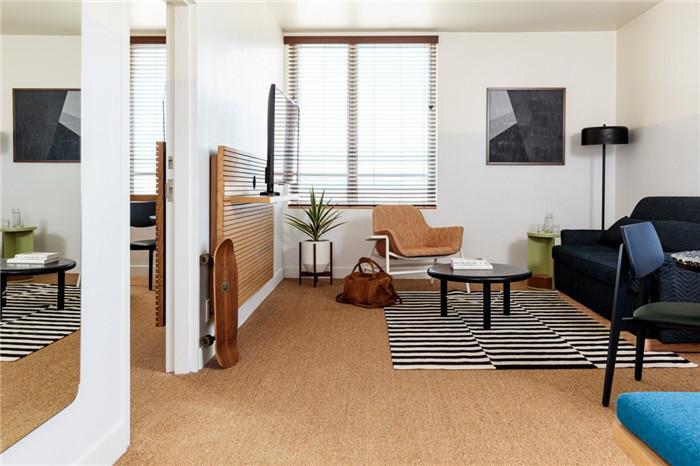 郑州勃朗设计分享简约自然风城市度假酒店套房客厅设计案例