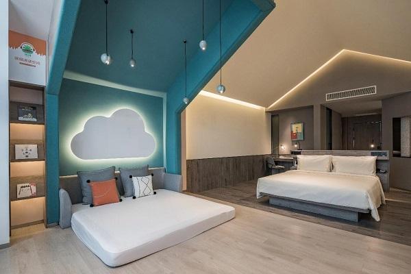 亚朵首家新知社区中心酒店——爱琴海亚朵S酒店亲子客房设计