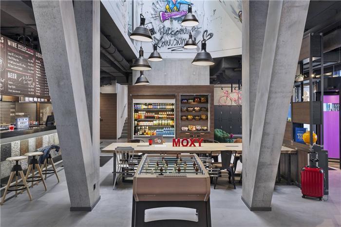 瑞士Moxy酒店休闲公区设计  小而美的潮牌精品酒店设计鼻祖