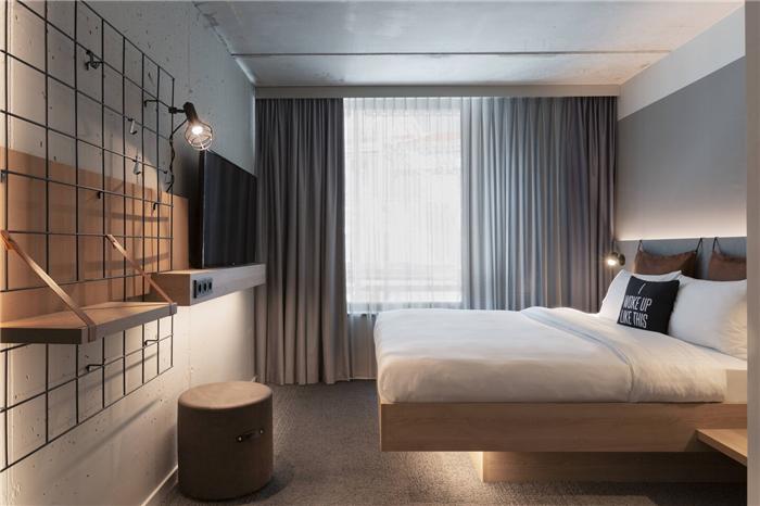 瑞士Moxy酒店客房设计  小而美的潮牌精品酒店设计鼻祖