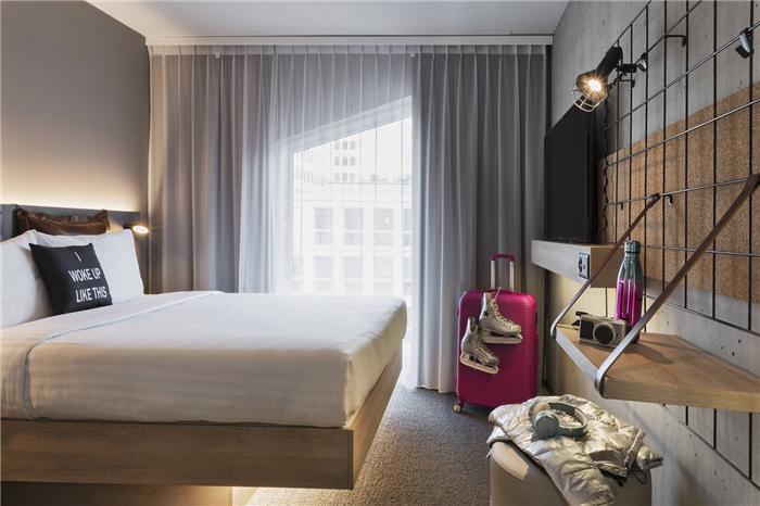 瑞士Moxy酒店大床房设计  小而美的潮牌精品酒店设计鼻祖