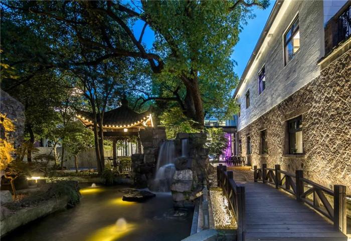 电影跨界酒店  沉浸式电影主题杭州殿影精品酒店景观设计