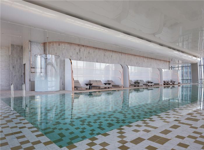 知名设计公司CL3新作:重庆来福士住宅区泳池设计