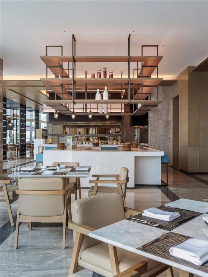 酒店全日制餐厅设计-现代手法演绎西蜀风情  四川首家万怡酒店设计赏析