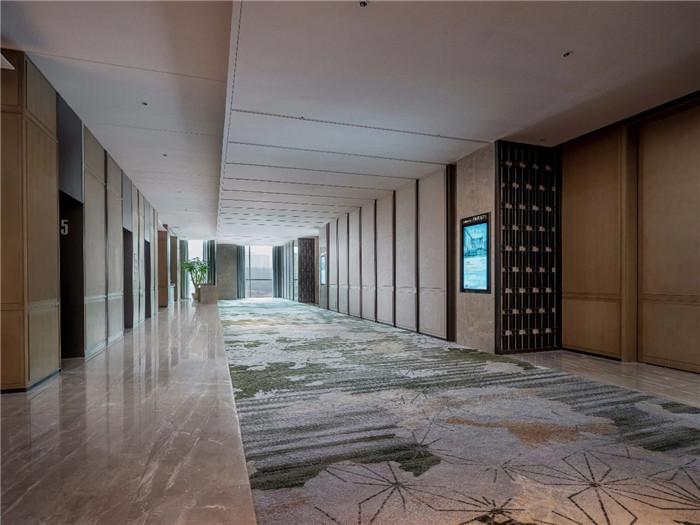 酒店宴会厅走廊设计-现代手法演绎西蜀风情  四川首家万怡酒店设计赏析