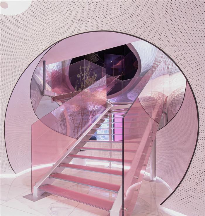 国内最新潮艺术精品酒店设计推荐:尚美水晶酒店楼梯设计
