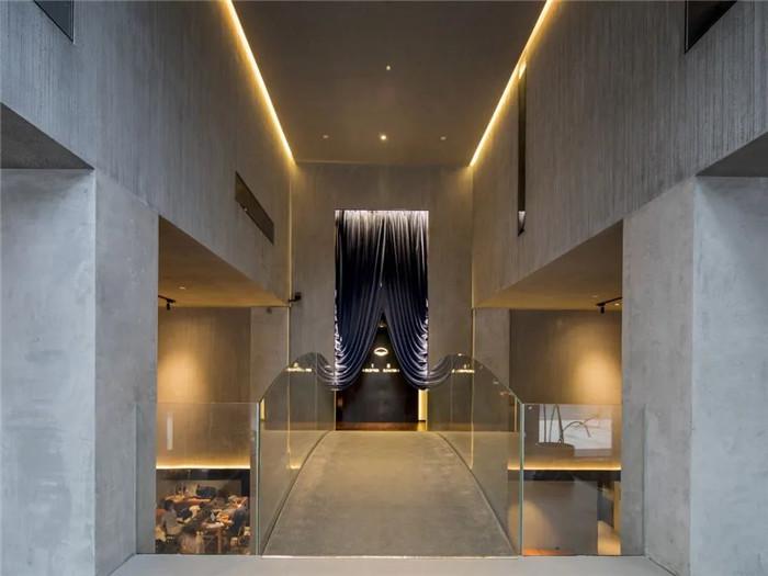 以桥为灵感的1800平精品酒店改造设计方案
