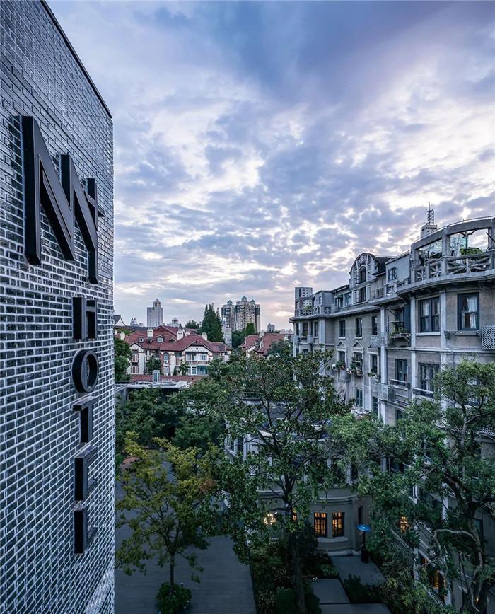 酒店外观设计-Art Deco复古怀旧风音乐主题精品酒店设计案例