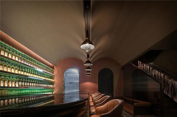 威士忌酒吧设计-Art Deco复古怀旧风音乐主题精品酒店设计案例