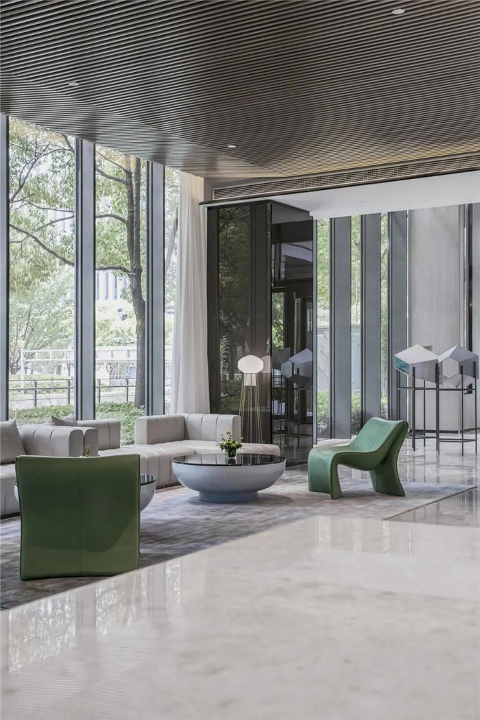 经久不衰的现代简约风CRYSTAL ORANGE酒店设计案例
