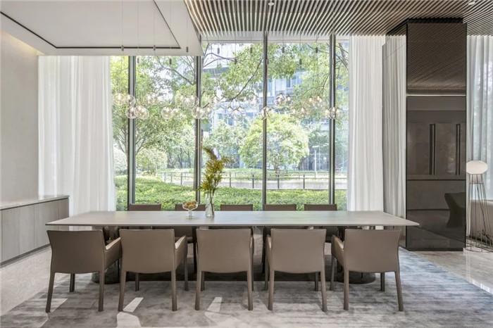 经久不衰的现代简约风CRYSTAL ORANGE酒店设计实景图