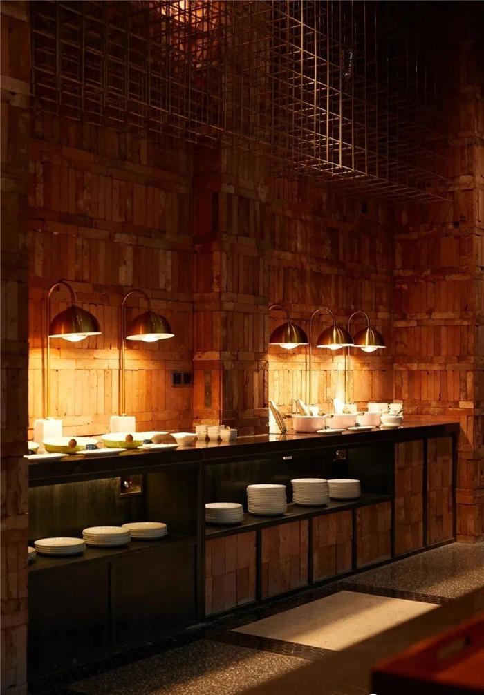 酒店自助餐厅设计-复古与新潮混搭风武汉网红精品酒店改造设计案例