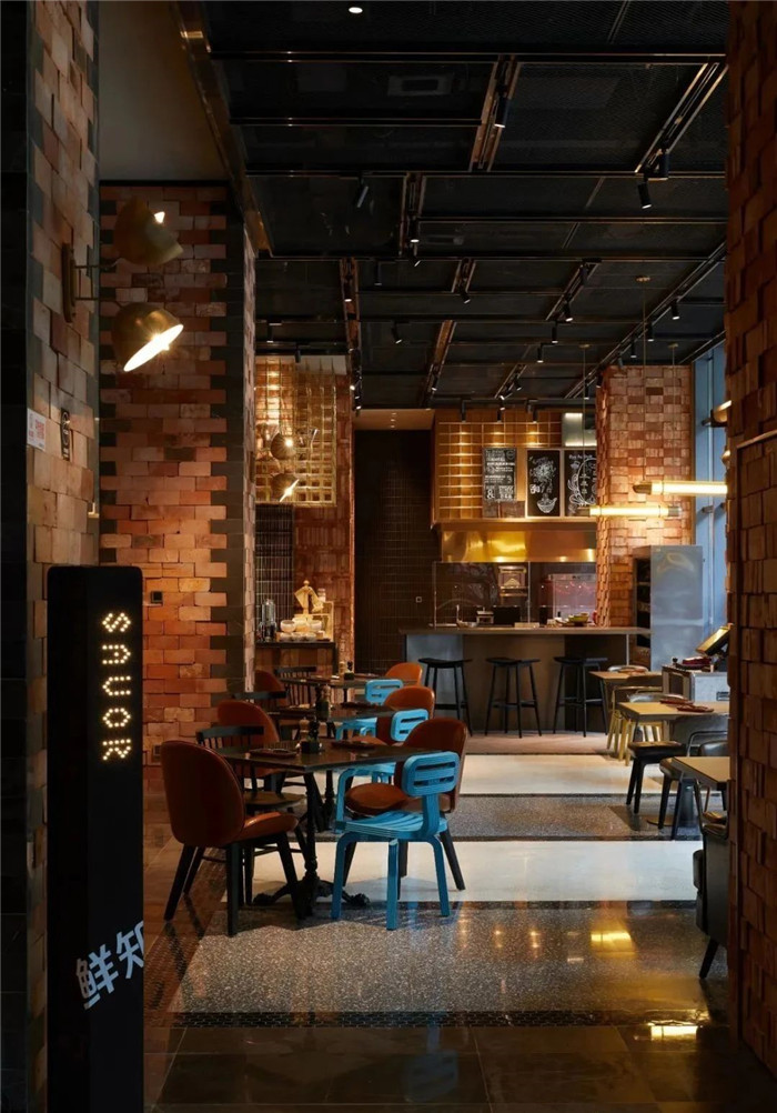 酒店餐厅设计-复古与新潮混搭风武汉网红精品酒店改造设计案例