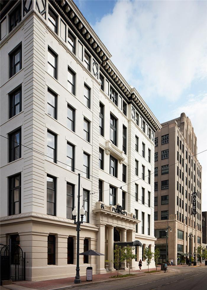 酒店外观设计-历史修复   国外豪华复古风精品酒店改造设计方案