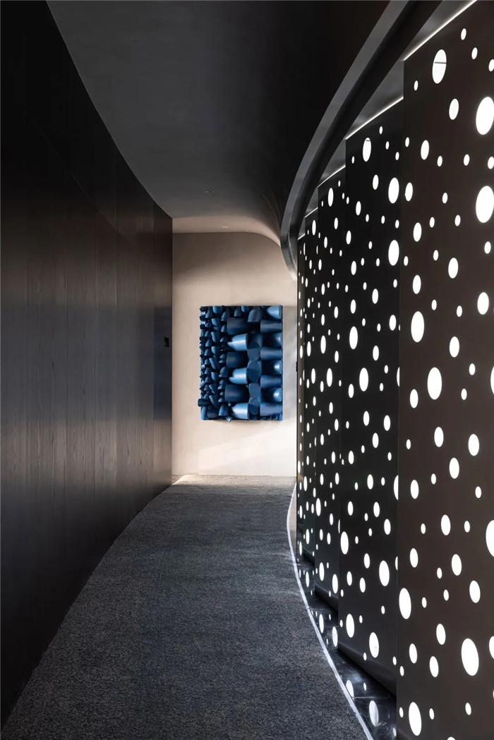 酒店客房走廊设计-以邮轮帆船为灵感的泊乐艺术精品酒店设计案例