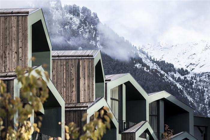 与自然融为一体的超豪华Florian公园酒店建筑设计方案