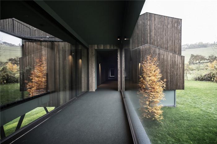 与自然融为一体的超豪华Florian公园酒店设计方案