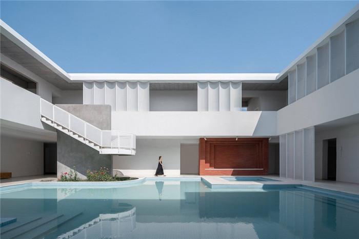 酒店泳池设计-民宿设计鸟瞰图-纯白原木风景区内部2层独栋民宿设计方案