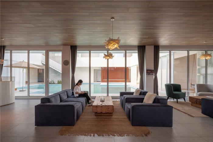 民宿休闲区设计-民宿设计鸟瞰图-纯白原木风景区内部2层独栋民宿设计方案