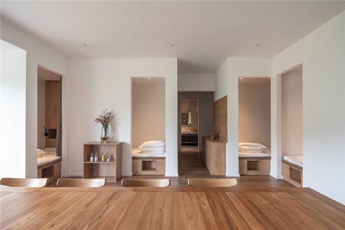 民宿客房设计-民宿设计鸟瞰图-纯白原木风景区内部2层独栋民宿设计方案