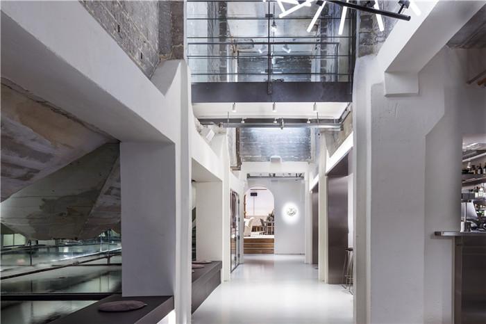 新旧设计相融合的工业风精品酒店翻新改造设计方案