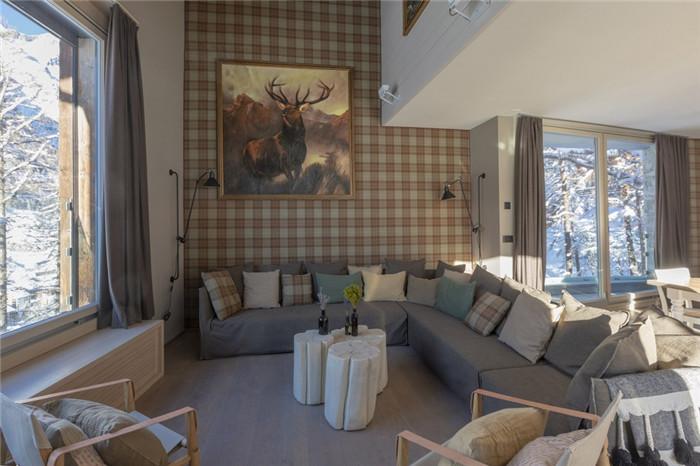 酒店休闲区设计-可持续理念下的滑雪场原生态度假酒店设计案例