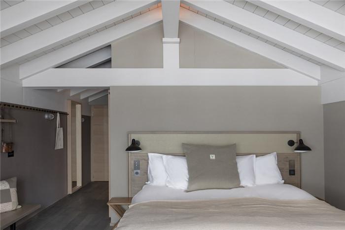 酒店客房设计-可持续理念下的滑雪场原生态度假酒店设计案例
