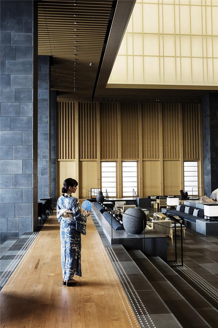 酒店大堂设计-专为休闲和商务游客而定制的东京安缦度假酒店设计