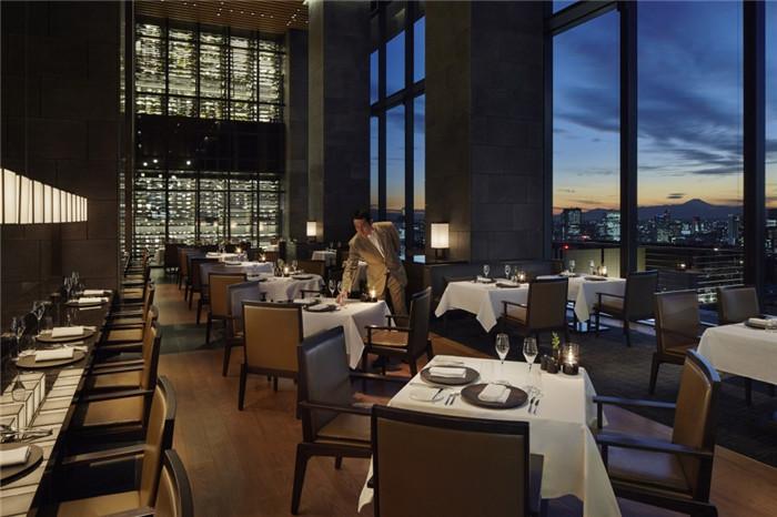 西餐厅设计-专为休闲和商务游客而定制的东京安缦度假酒店设计