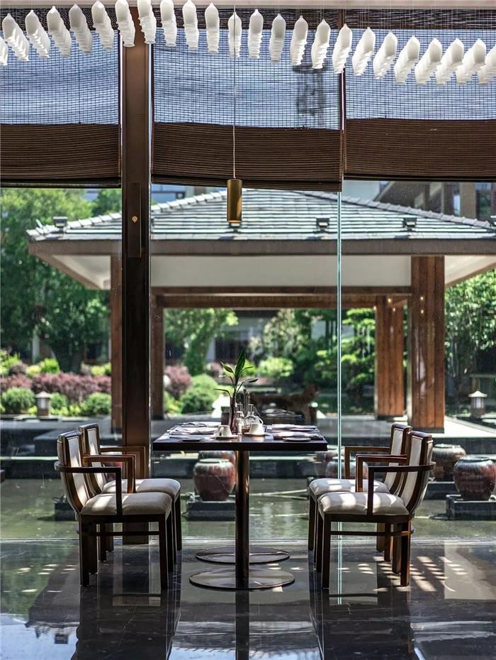 坐落于山水中的中式奢华度假酒店设计方案