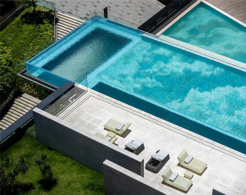 酒店户外泳池设计-皇冠假日酒店首家时尚年轻化五星级酒店设计赏析