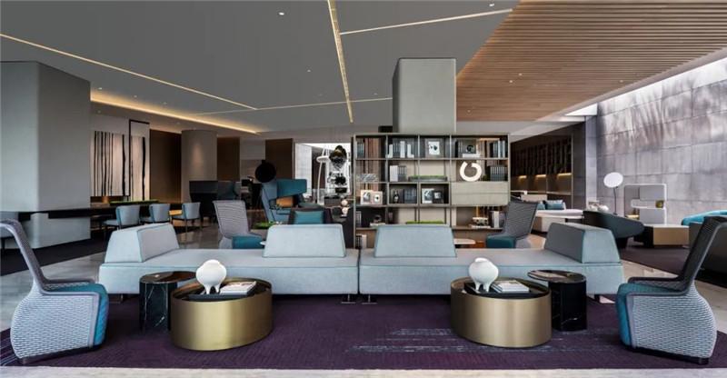 酒店大堂吧设计-皇冠假日酒店首家时尚年轻化五星级酒店设计赏析